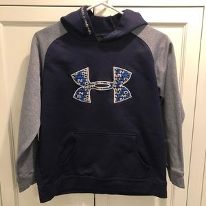 Under Armour sweatshirt size large youth